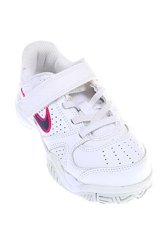 nike baskets fille de couleur blanc