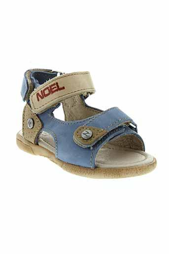 noel sandales et nu et pieds garcon de couleur bleu