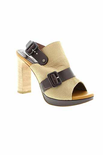 tosca et blu et shoes sandales et nu et pieds femme de couleur beige