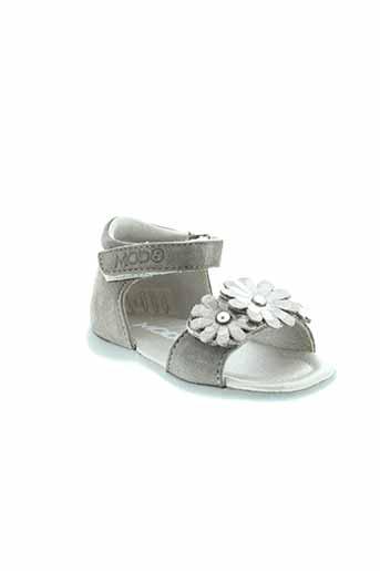 mod8 sandales et nu et pieds fille de couleur gris