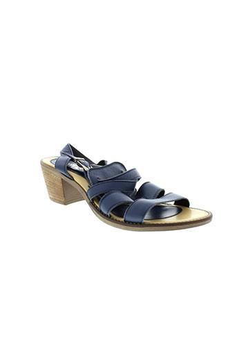 arriva sandales et nu et pieds femme de couleur bleu
