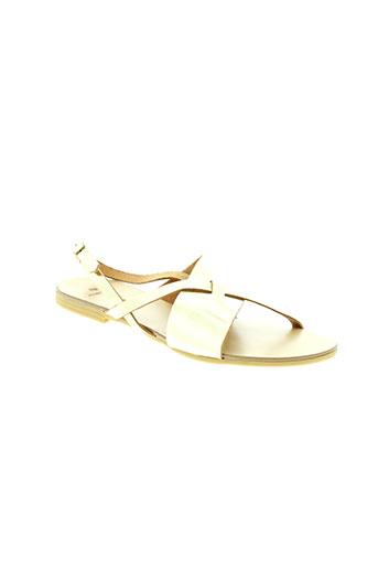 pieces sandales et nu et pieds femme de couleur jaune