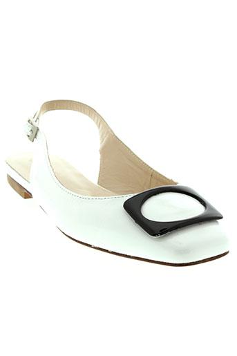 flavio et creation sandales et nu et pieds femme de couleur blanc