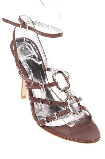 fluxa sandales et nu et pieds femme de couleur marron