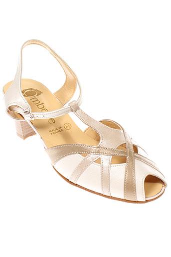ombelle sandales et nu et pieds femme de couleur beige