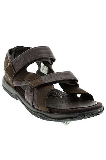 timberland sandales et nu et pieds garcon de couleur marron
