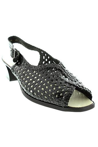hoki sandales et nu et pieds femme de couleur noir