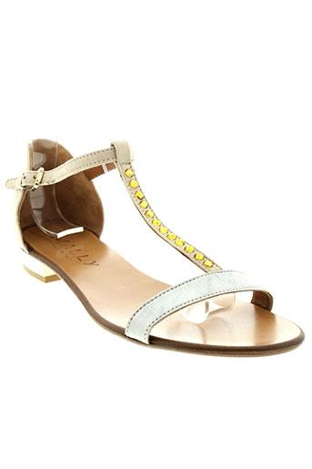 mally sandales et nu et pieds femme de couleur beige
