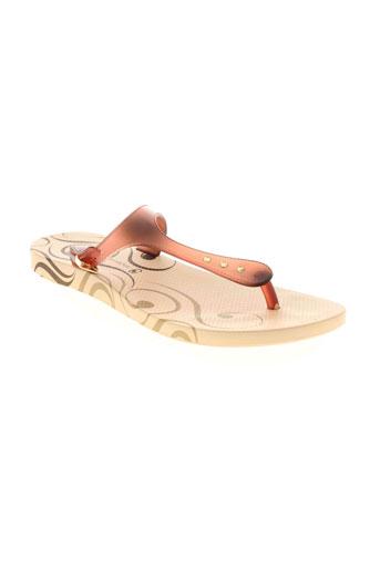 gisele bündchen chaussures femme de couleur beige