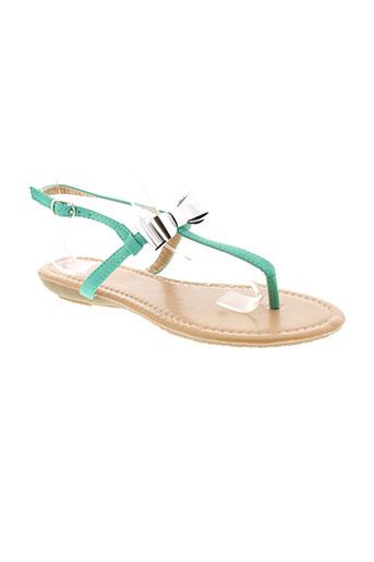 cassis sandales et nu et pieds femme de couleur vert
