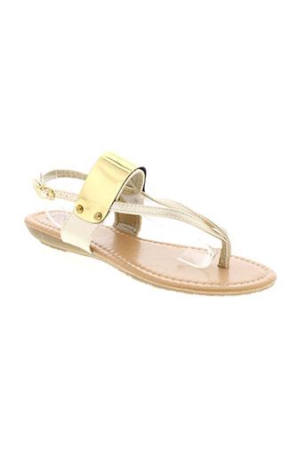cassis sandales et nu et pieds femme de couleur jaune