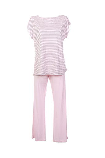 le et chat pyjamas et 1 femme de couleur rose