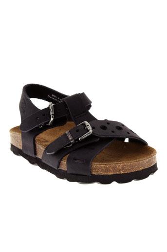 reqins sandales et nu et pieds garcon de couleur noir