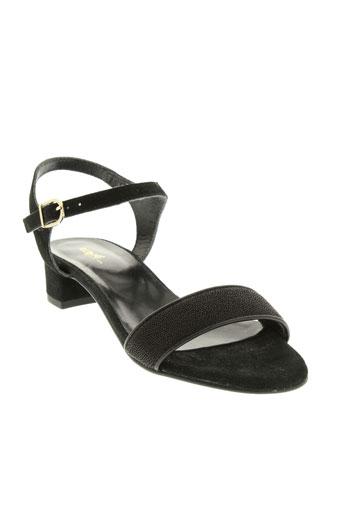 reqins sandales et nu et pieds femme de couleur noir