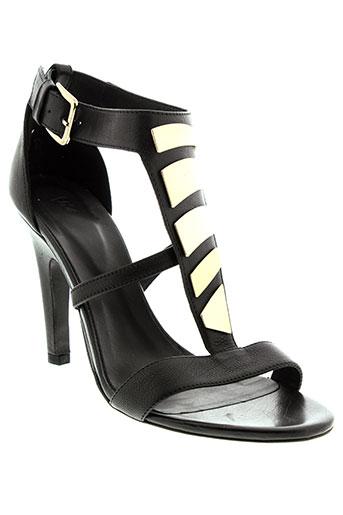 vic sandales et nu et pieds femme de couleur noir