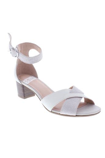 sweet sandales et nu et pieds femme de couleur beige