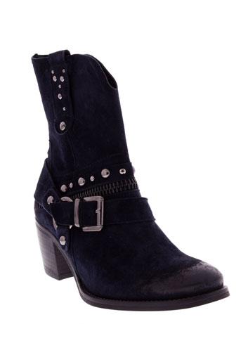 regard chaussures femme de couleur bleu marine