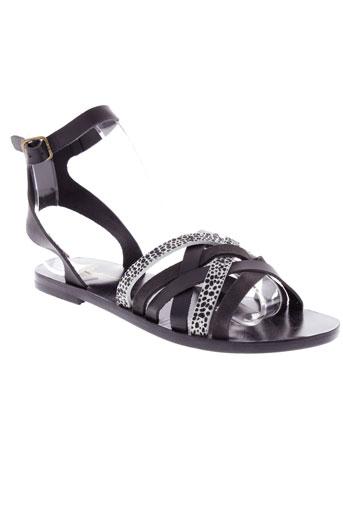 bonpoint sandales et nu et pieds femme de couleur noir