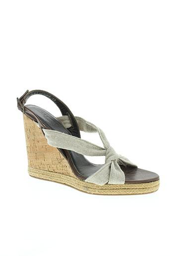 weekend sandales et nu et pieds femme de couleur beige
