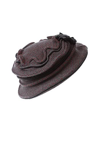 berthe et aux et grands et pieds chapeaux et bonnets femme de couleur gris