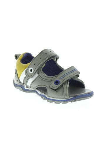 acebos sandales et nu et pieds garcon de couleur gris