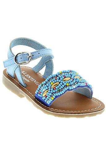 valentine et la et coquine sandales et nu et pieds fille de couleur bleu
