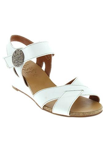 plage et privee sandales et nu et pieds femme de couleur blanc