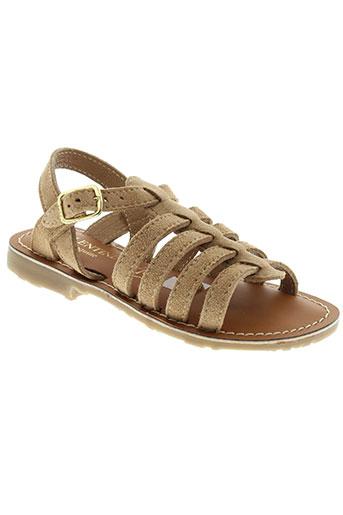 valentine et la et coquine sandales et nu et pieds fille de couleur marron