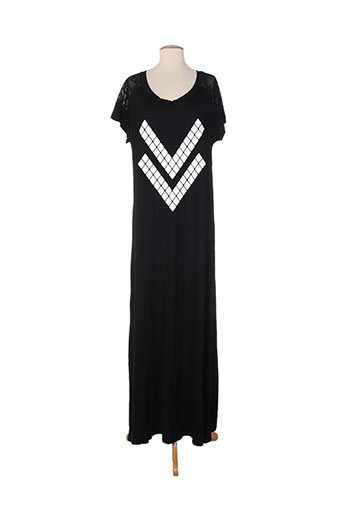 mat. robes femme de couleur noir