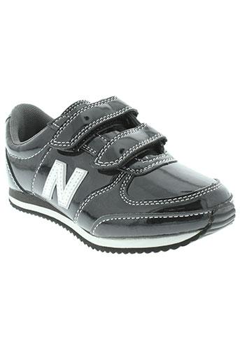 new balance chaussures fille de couleur noir