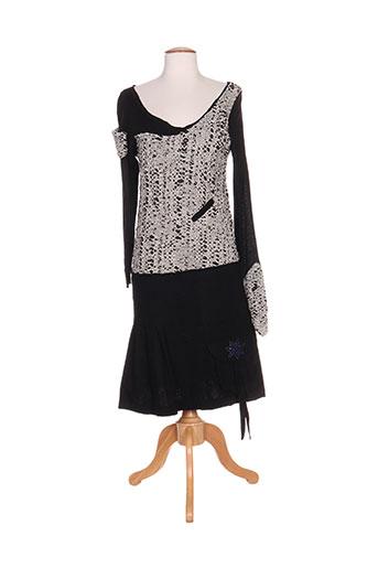 accostages robes femme de couleur noir