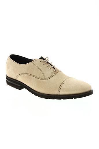 edito chaussures homme de couleur beige