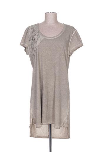 griffonnage robes femme de couleur gris