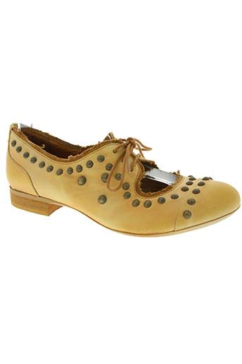 virus chaussures femme de couleur marron