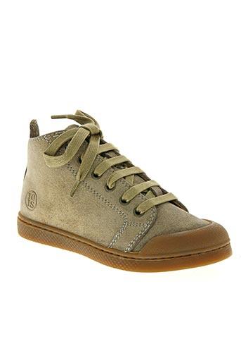 10 is chaussures fille de couleur beige