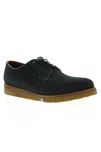 centre commercial chaussures homme de couleur bleu