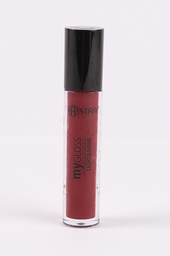 Maquillage rouge ASTRA pour femme