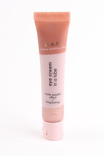 Maquillage rose B.A.E. pour femme